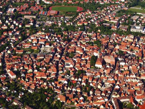 Ganz regional: Die Altstadt von Bad Windsheim aus der Luft