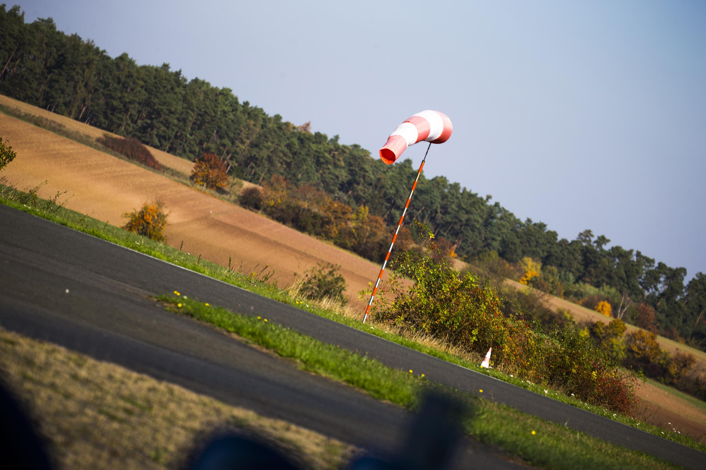 Unser Windsack bei Wind aus NNO.