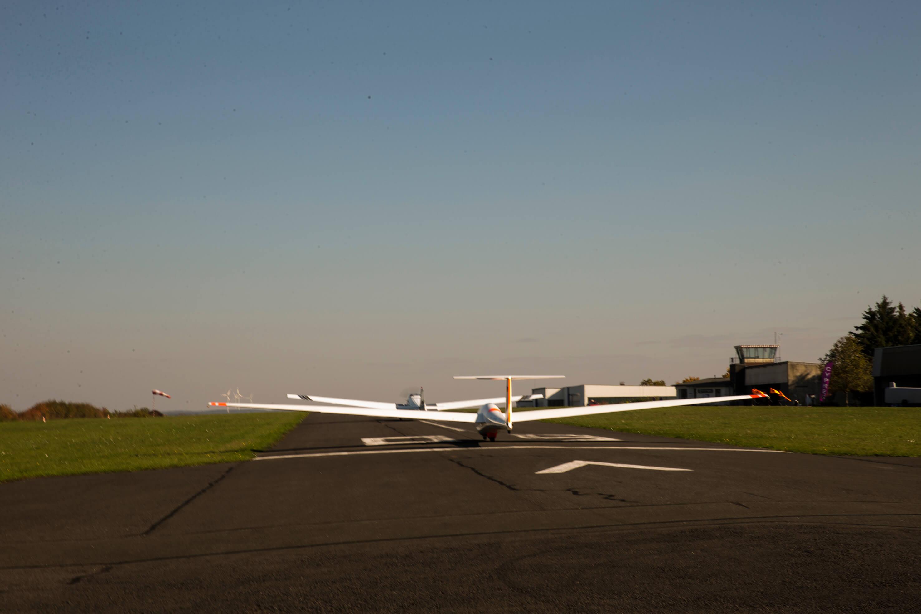 Segelflugschlepp am Startpunkt 09