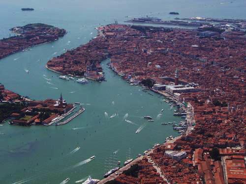 Besonders romantisch: Venedig aus der Luft