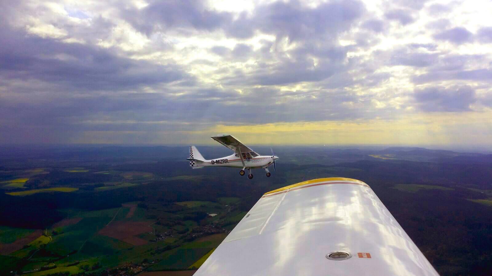 Unsere B&F FK9 D-MZRR aus der Luft von einer Sportavia-Pützer aus fotografiert.